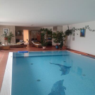 Glanz GmbH in Wien - Schwimmbad
